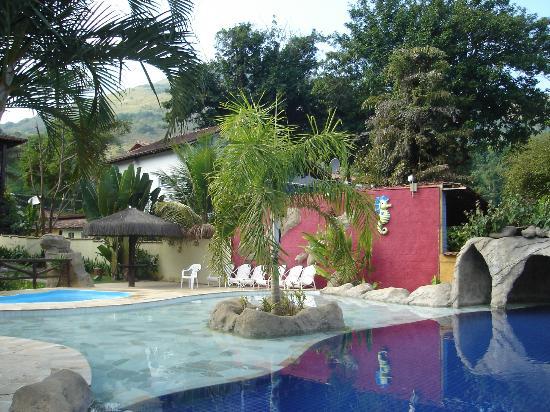بوسادا داليستي: la piscina 