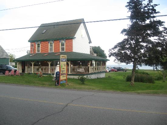 Salmon River B and B Ltd: Bed & Breakfast