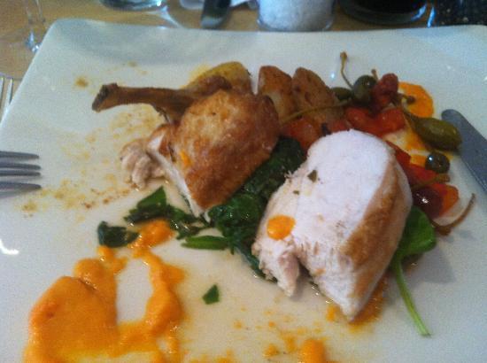 The Crown Hotel Restaurant: chicken main course