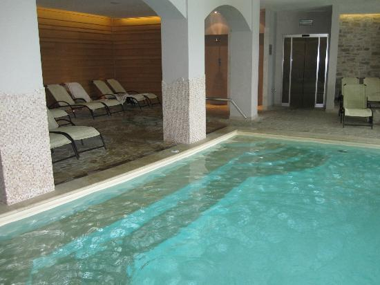 Borgobrufa SPA Resort: Indoor pool area