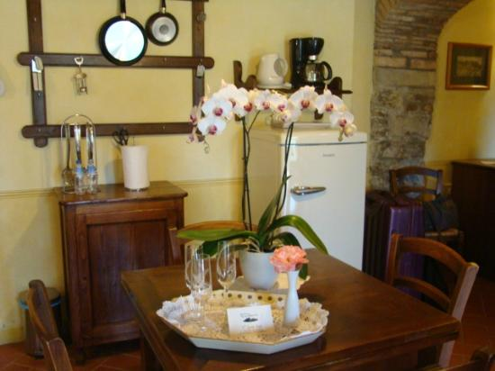 Il Gavillaccio: Our kitchen/dinning room was lovely.