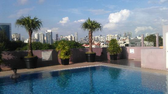 Nice view ot the enjoyable swimming pool picture of value hotel thomson singapore tripadvisor for Nice hotels with swimming pool