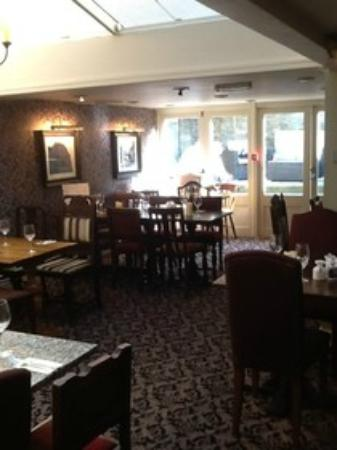 The Woolpack Inn: breakfast and dinner dining room, courtyard at back