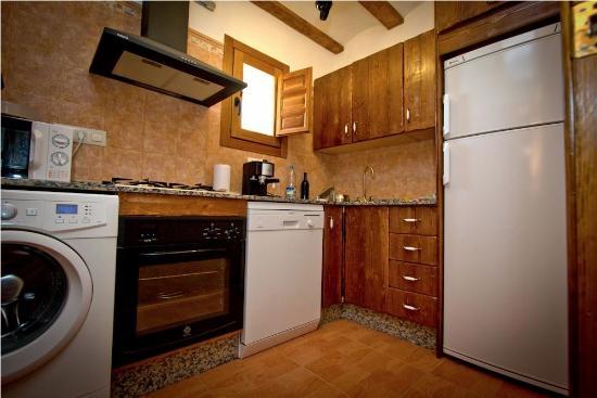 Casa Rural Isidro Barba: Cocina completa