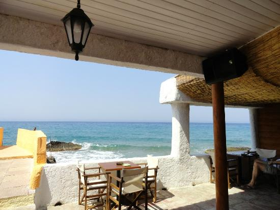 Black Rocks Seaside Restaurant Bar: Stunning views
