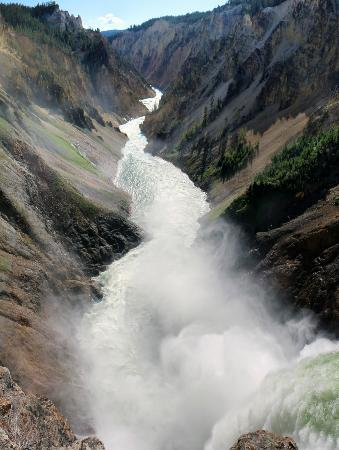 Lower Yellowstone River Falls: Brink of Falls
