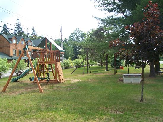 Dwight Village Motel: Children's play area
