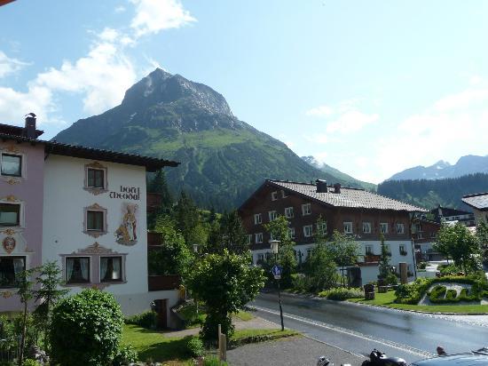 Hotel Gotthard: Blick auf das Lecher Wahrzeichen