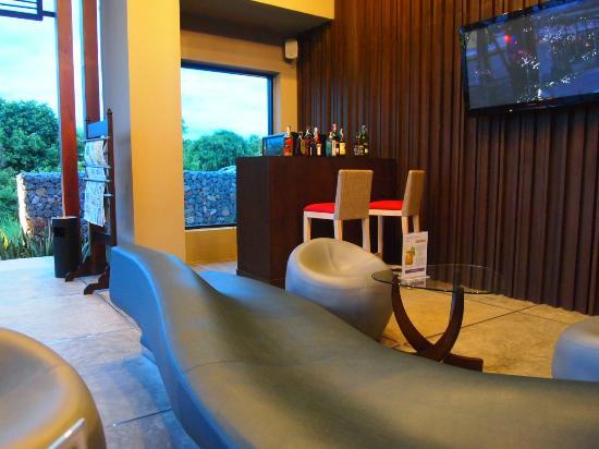 The Serenity Hua Hin: the bar at the reception