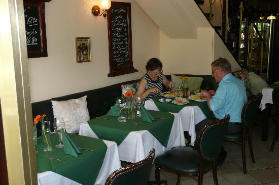 Hotel-Cafe Löhr: Hauptsaal in Bistro