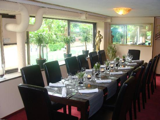 Hotel-Cafe Löhr: Beletage. Cafe-Bistro