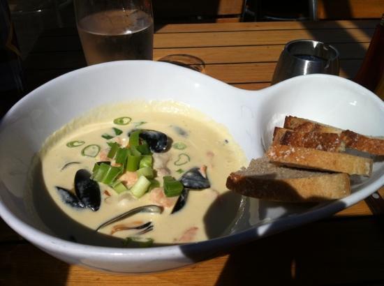 Esmeralda: wonderful fish soup