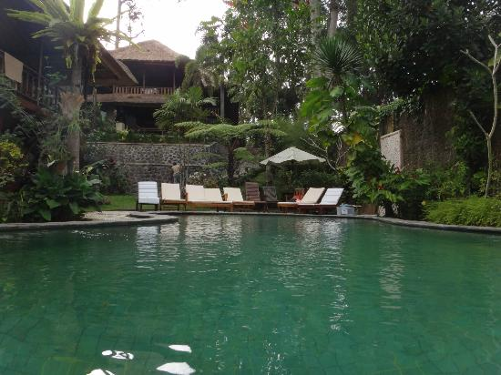 Graha Moding Villas: Sun tan area