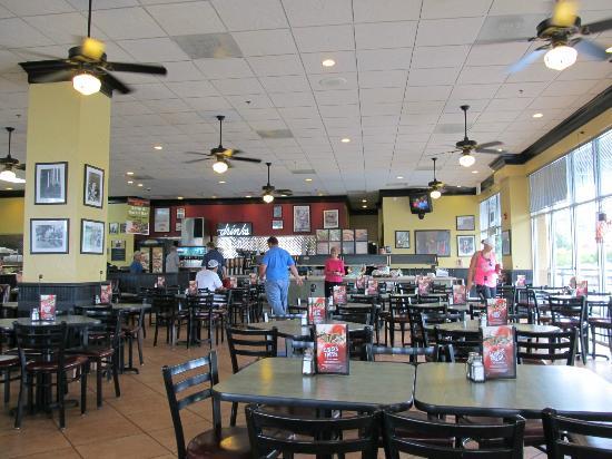 Jason's Deli : Salad bar area