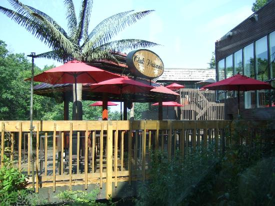 The Woodlands Inn: Outdoor cigar bar