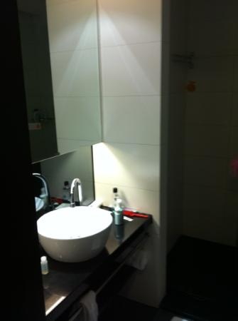 Orange Hotel-Hangzhou Moganshan Road: Bathroom