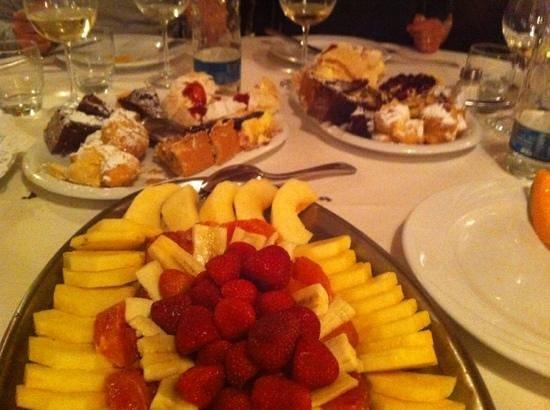 Ospedaletti, Italie : Festival di dolci e frutta fresca