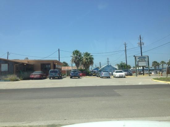 Island Cafe and Smokehouse: Island Cafe