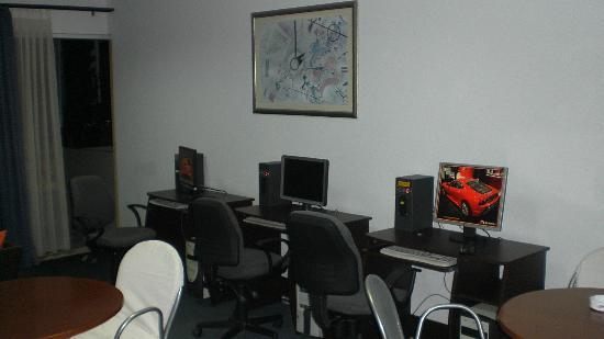 Angela Hotel : Computerruimte