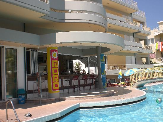 Angela Hotel : Bar bij Zwembad