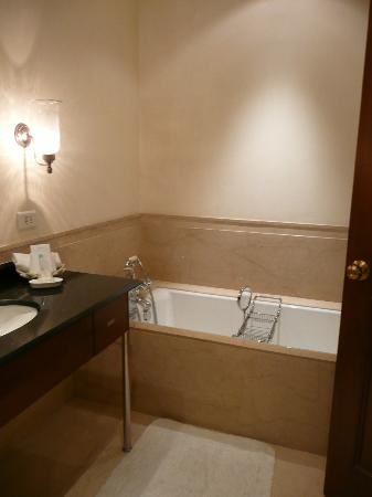 Maidens Hotel: bathroom