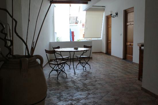 Residence-Hotel Baia Portinenti: il disimpegno e accesso alle stanze