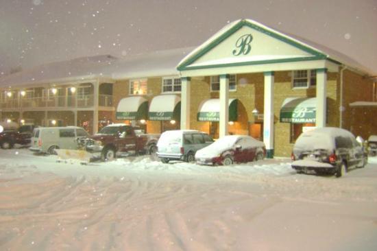 Bentley's Falls Church Diner: Falls Church in winter