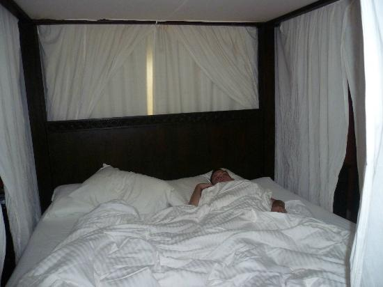 Aruba Surfside Marina: me sleeping in comfortable bed