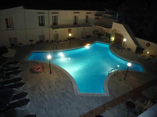 Hotel Orestis: Pool in the evening