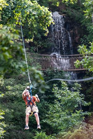 Foxfire Mountain Adventures : Zipping past Lost Mine Falls