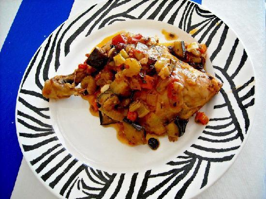 Il Capriccio: Pollo a la mediterranea. Mediterranean Chicken