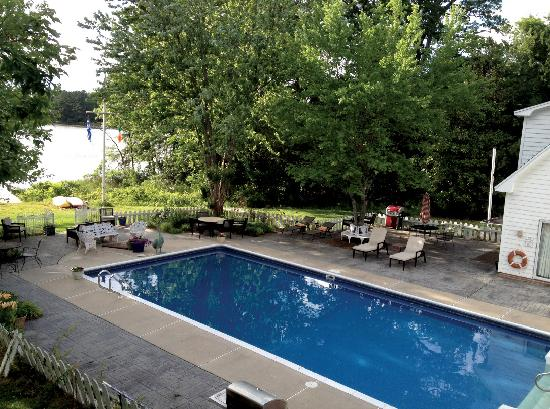 Miles River Guest House: Our pool is open from April through early October