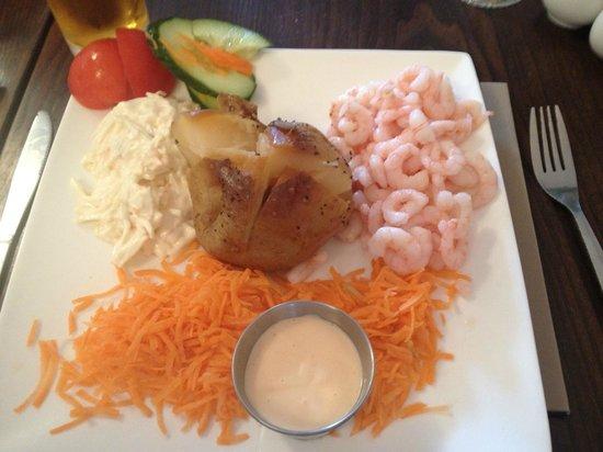 Saddlers Cafe and Bistro: prawn jacket potato