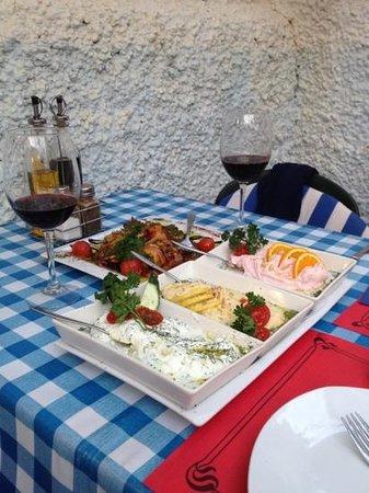 Restaurante Poseidon: starters octopus with Greek vinaigrette