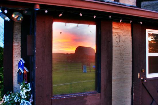 Rocky Ridge Country Lodge: Sonnenuntergang