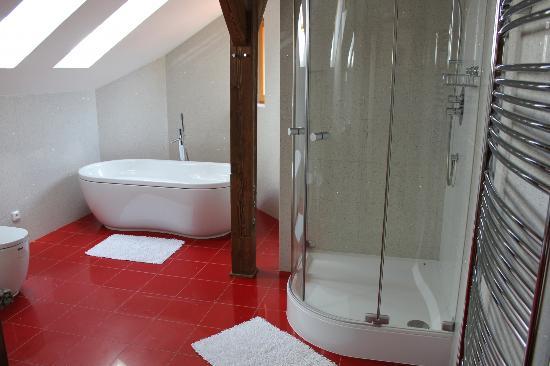 Arcadia Residence: Bathroom