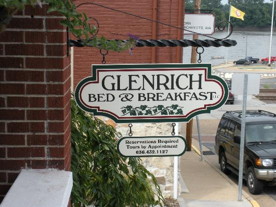 Glenrich B&B: Sign & River (background)