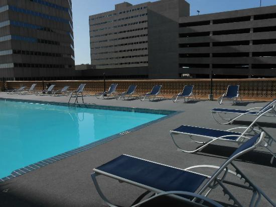 Hotel Corpus Christi Bayfront: Pool area