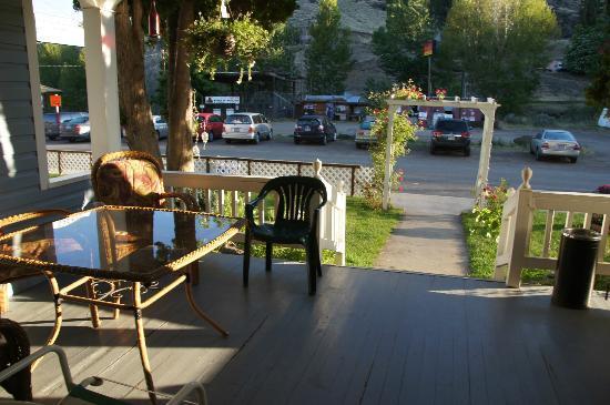 Oregon Hotel - die Terrasse kann von den Gästen gern genutzt werden