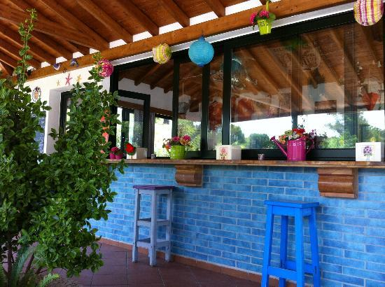 Eliso Studios & Apartments: Pool bar