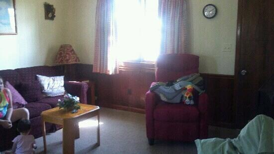 Holiday Cottages: Living room again