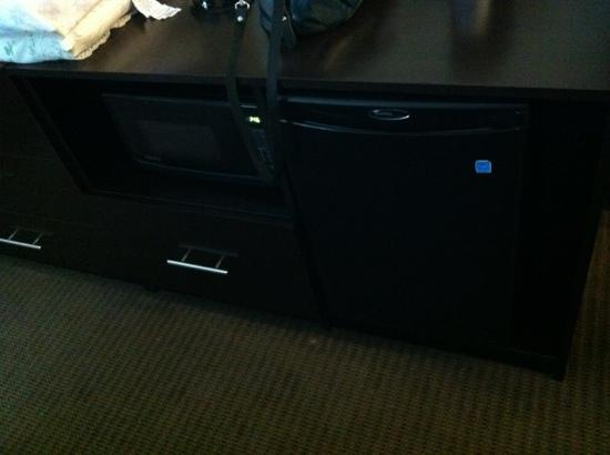 Sleep Inn & Suites N Austin: Microwave, Mini-Fridge & coffee pot in the room!
