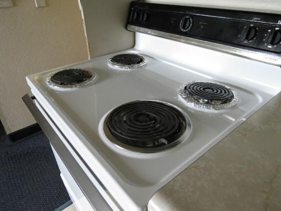 Sutton Suites And Extended Stays: stove //