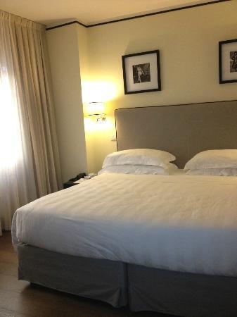 Ponte Vecchio Suites & SPA: Bed