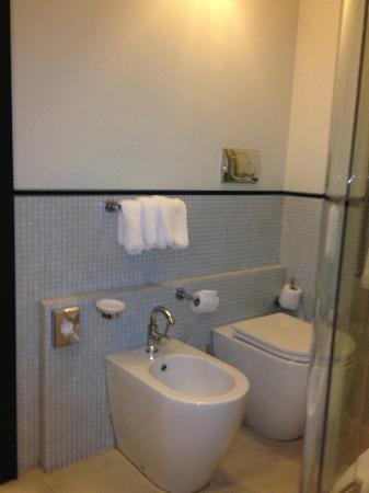 Ponte Vecchio Suites & SPA: Toilet/ Bidet