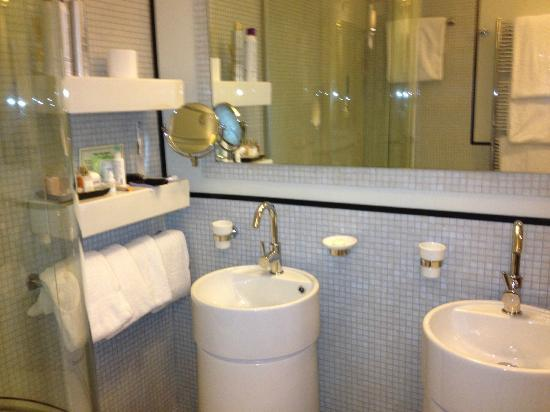 Ponte Vecchio Suites & SPA: Sinks
