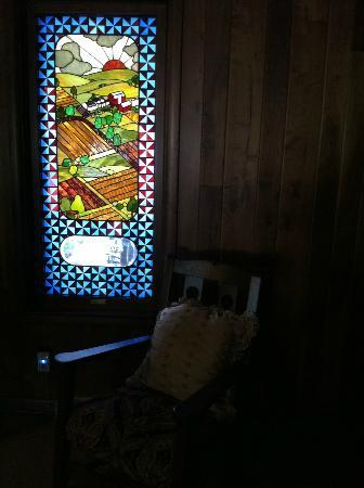 Patchwork Quilt Inn: Stained Glass commission by the previous owners