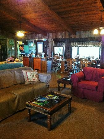 Patchwork Quilt Inn: The dining area