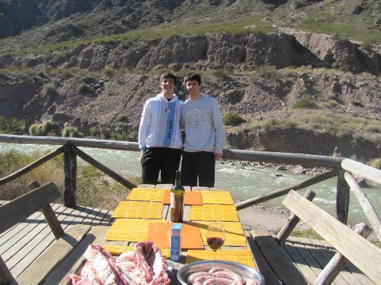 Cabanas Pueblo del Rio: Los que prepararon la mesa