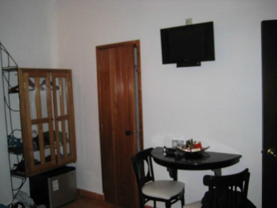 Kinbe Hotel: Habitación